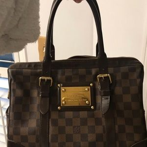 Louis Vuitton Bags - LV Berkeley great condition